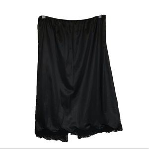 (2for20) Black slip with Lace trim